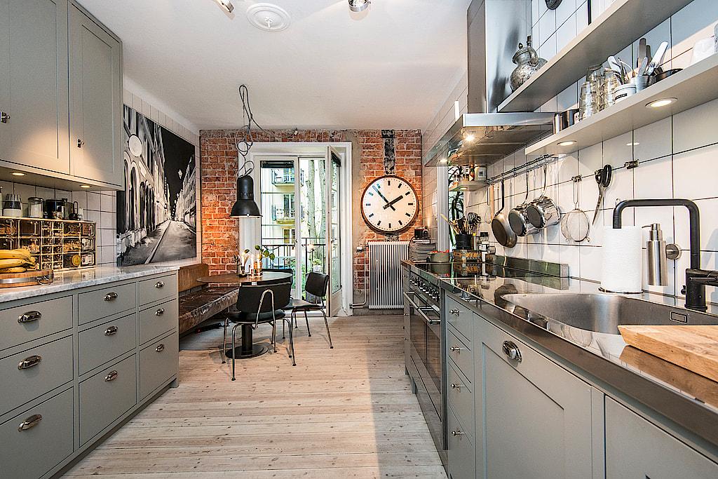 Una cocina y el ladrillo visto interiores chic blog de - Cocinas de obra ladrillo visto ...
