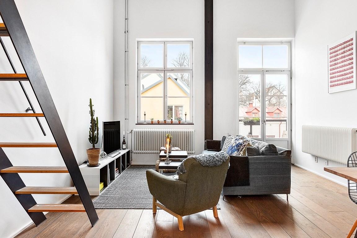 Decoraci n industrial en una buhardilla interiores chic for Decoracion de interiores blog