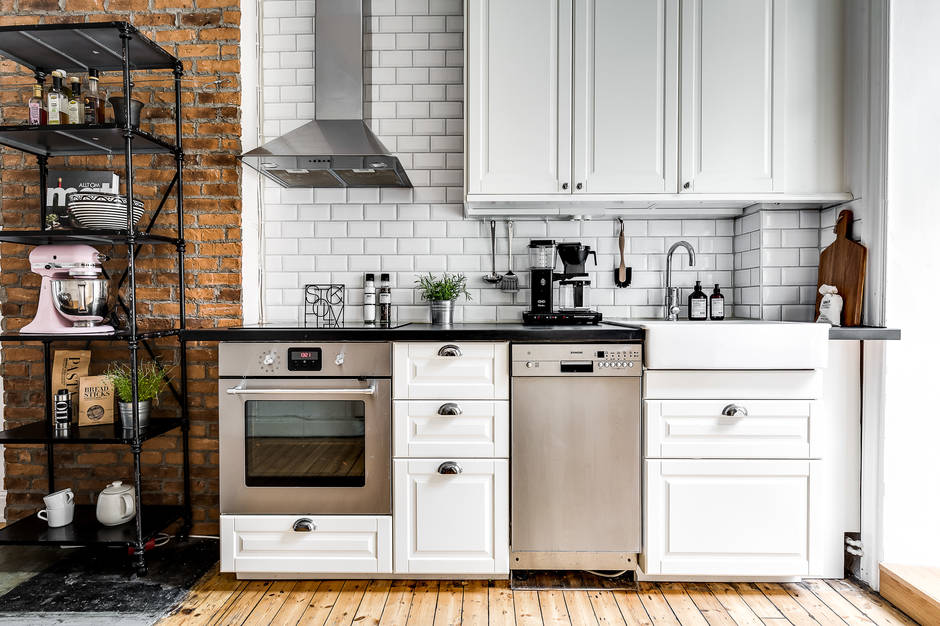 Ladrillo visto y azulejo biselado para la cocina top interiores chic blog de decoraci n - Cocina de ladrillo ...