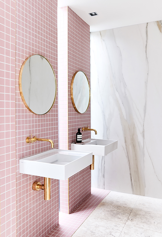 Un baño femenino y Chic. – Interiores Chic  Blog de ...
