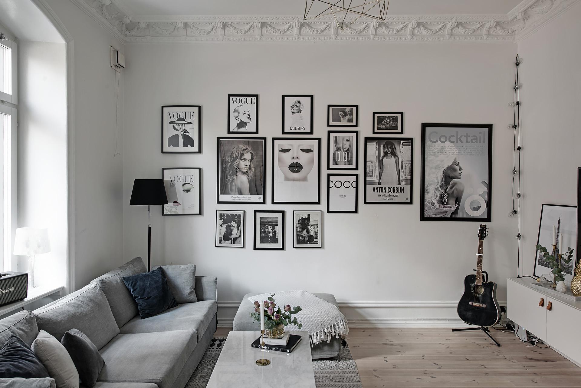 Como colocar los cuadros en una pared interiores chic - Como colocar los cuadros ...